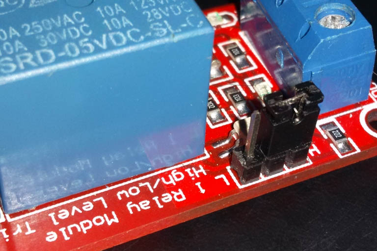 Relay switch module high vs. low level triggering